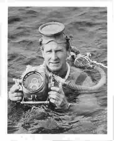 Lloyd Bridges as Mike Nelson